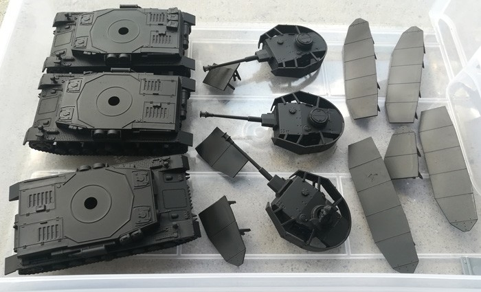 28mm Panzer IV's ready for base coat